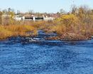 Река близ города