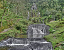 Лесной водопад по ступенькам